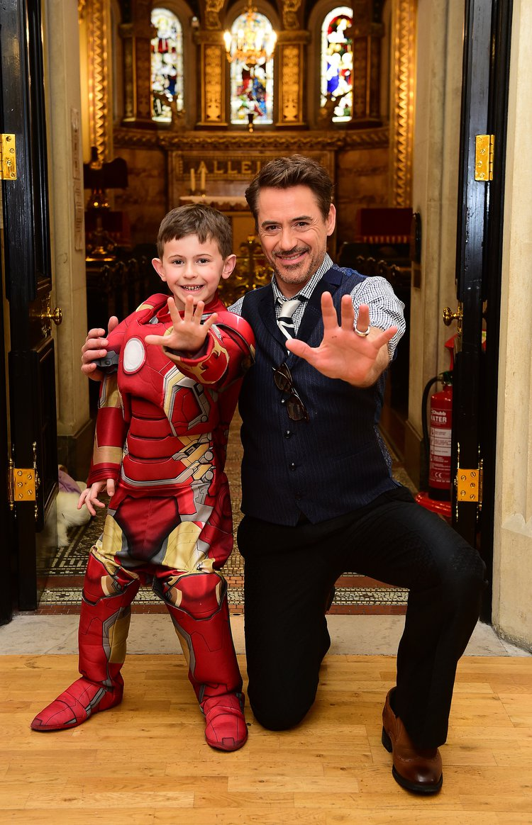 Robert Downey Jr with patients at GOSH