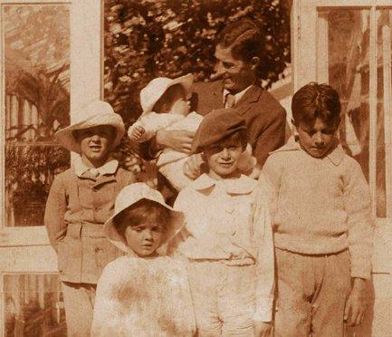 Arthur Llewelyn Davis and the five boys